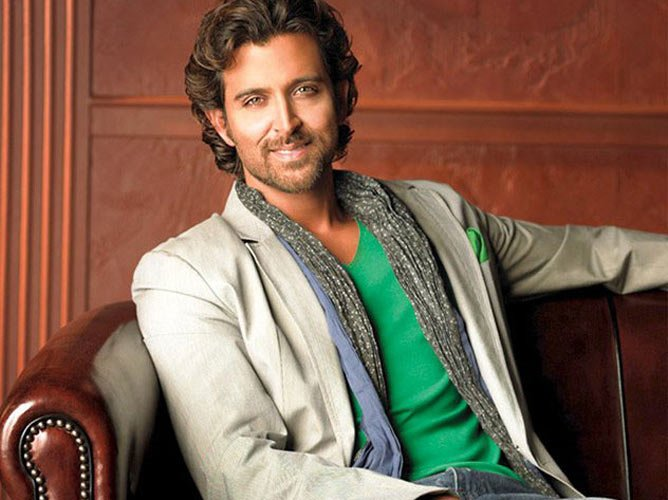 It's Official: @iHrithik to play mathematician #AnandKumar in #Super30 https://t.co/hTg4vgMhoP #VikasBehl #Bollywood https://t.co/ibclLGomI2