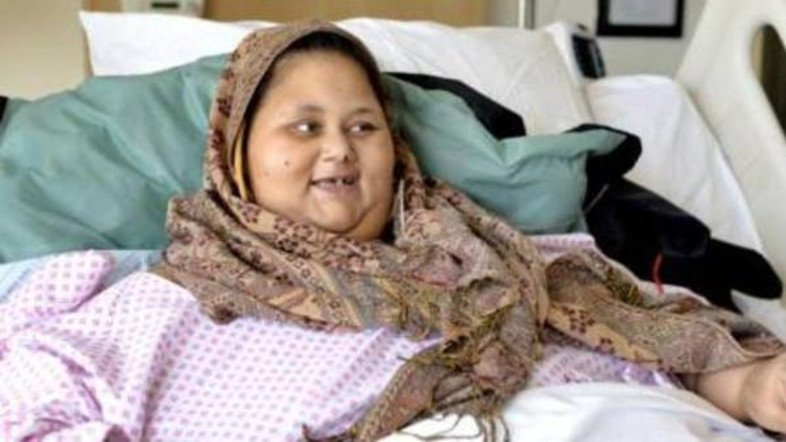 BREAKING: World's ex-heaviest woman #Eman dies during stay in #AbuDhabi https://t.co/S7I9iTfShG https://t.co/xSYgqwQpIP