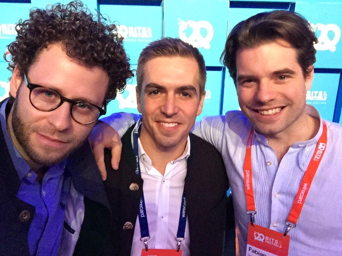 RT @philipplahm: Mit den Kollegen von @Fanmiles zu Gast bei @bitsandpretzels! Gleich geht's los 👍🏼 #bits17 https://t.co/AX0FCoOkct
