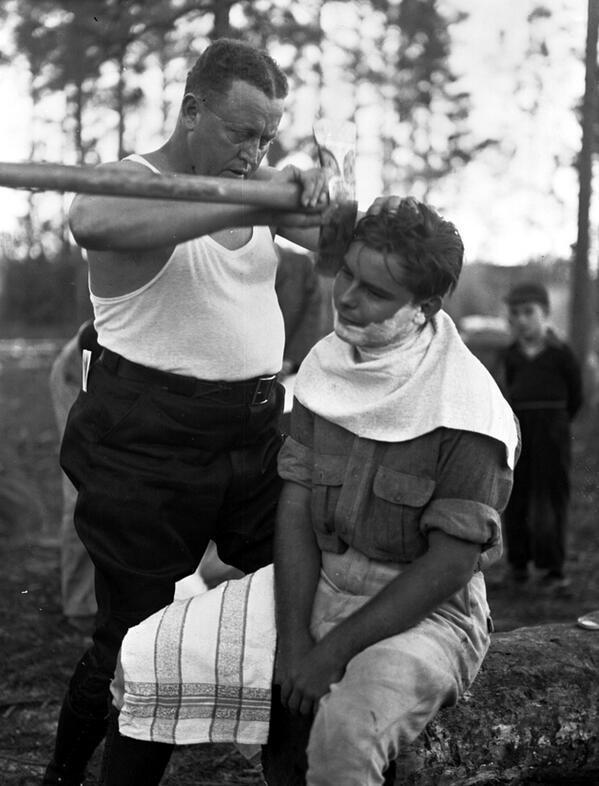 RT @toucheggs: Así se afeitaban los hombres en los años 40. https://t.co/7EXRP7tXS3
