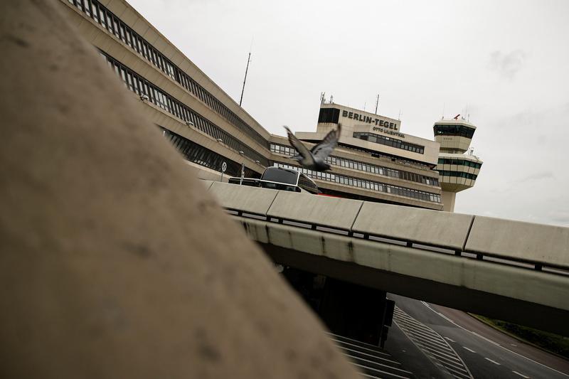 Berliners vote to keep Tegel airport open https://t.co/QJgqZFDEqZ https://t.co/hNDoPa82yc
