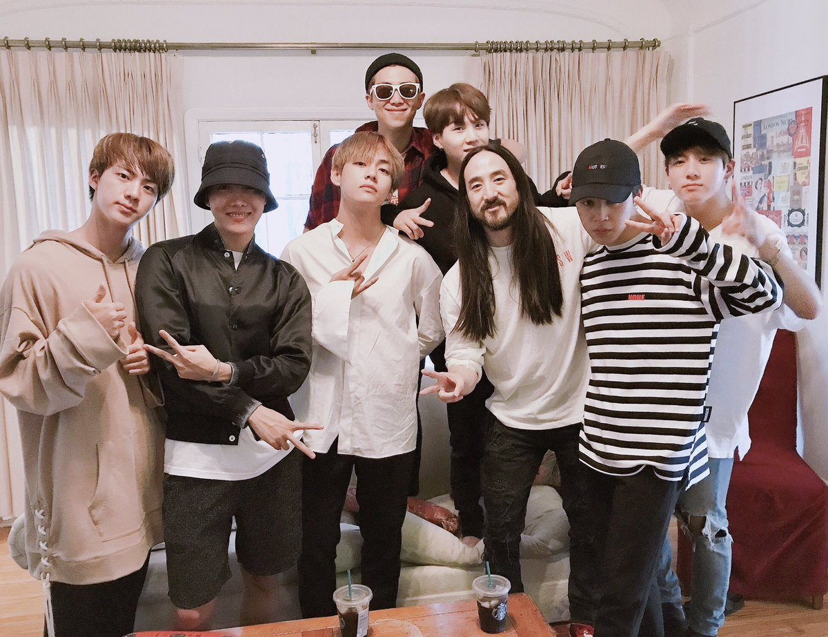 #BTS And Musician Steve Aoki Confirmed To Be Working On Collaboration https://t.co/zTqrgbVbCF https://t.co/jydAqIzNUU