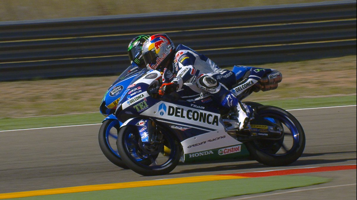 test Twitter Media - Just try watching 2 minutes of the best #Moto2 & #Moto3 overtakes without wincing...   @DunlopMoto #ForeverForward 🎥 https://t.co/vErYBgY8Tk https://t.co/kcR8jE68XR