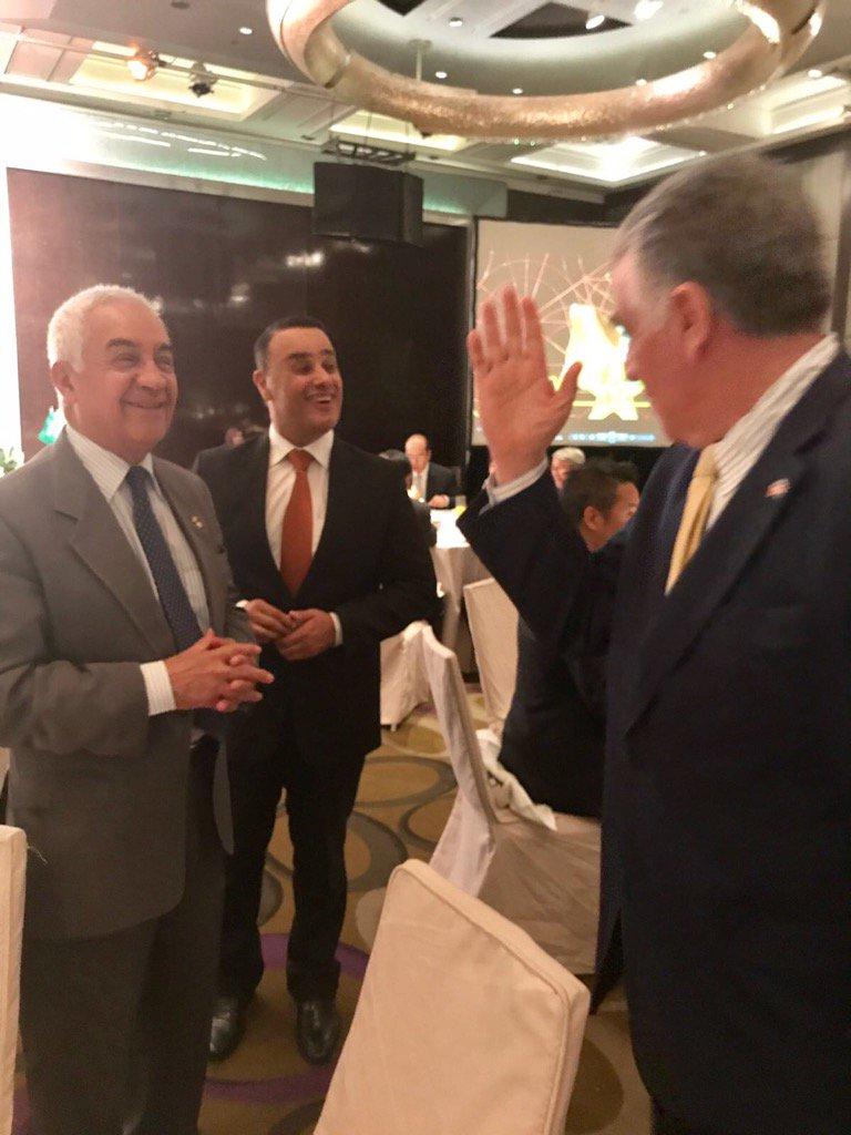 Con el encargado de negocios de Argentina CARLOS Alberto Argañaraz. https://t.co/Hb1KuLXOks