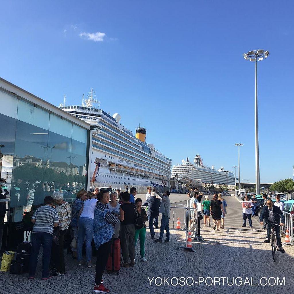 test ツイッターメディア - 大型クルーザー停泊するサンタ・アポロニア港。 多いときは4-5隻泊まります。もうすぐ新しいターミナルもオープンします。#リスボン #ポルトガル https://t.co/oKjjO7I5dX