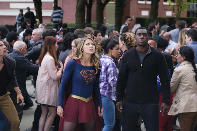 RT @NatalieAbrams: Supergirl: Check out new season 3 photos! @TheCWSupergirl