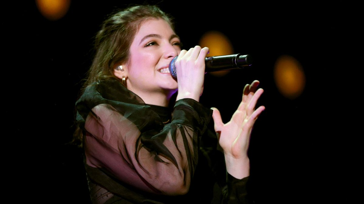Lorde Breaks Down The 'Ridiculous, Dramatic' Samples On 'Sober'