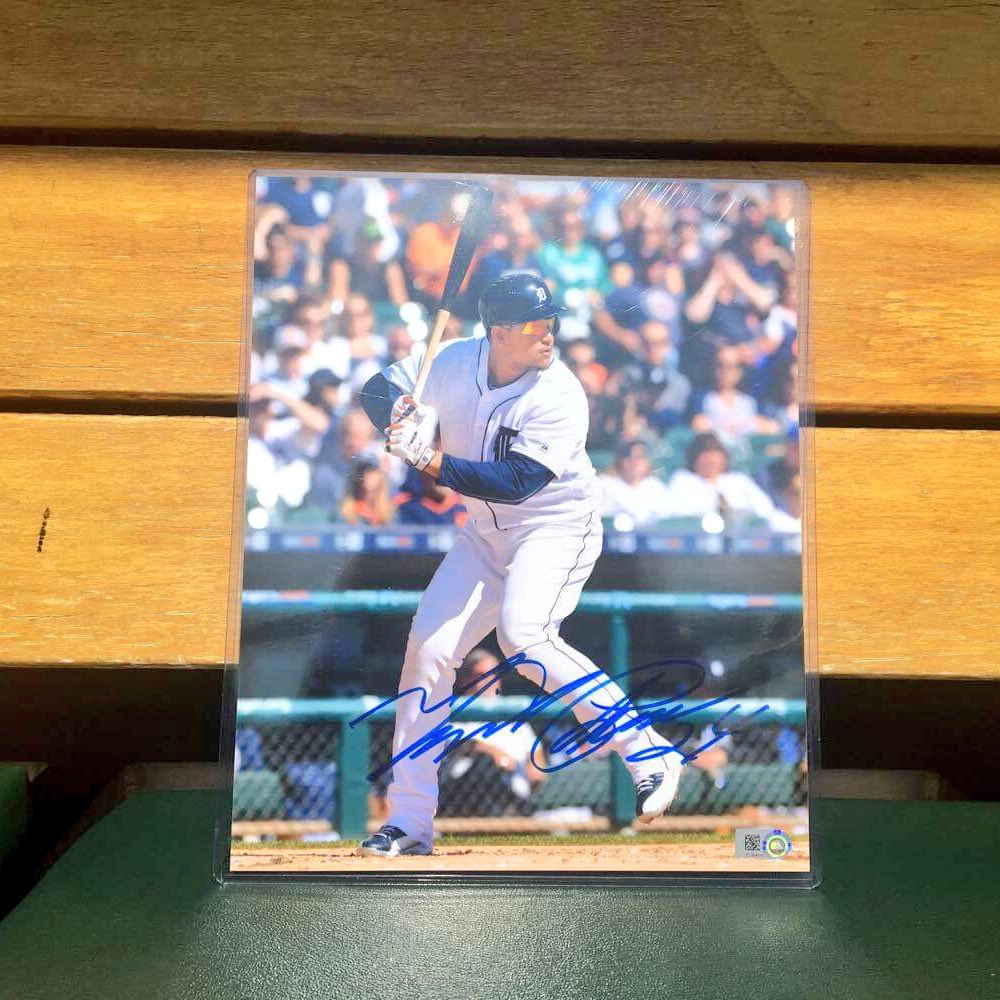 RT for your chance to win this autographed @MiguelCabrera photo! #MiggyMondays  Rules ➡️ https://t.co/LxOqBsvi2X https://t.co/9rfoSxtLhL