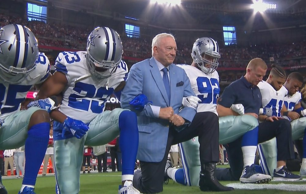 JUST IN: Cowboys owner Jerry Jones kneels with team before national anthem https://t.co/FdEoDfTAA4 https://t.co/o9feKS2QvJ