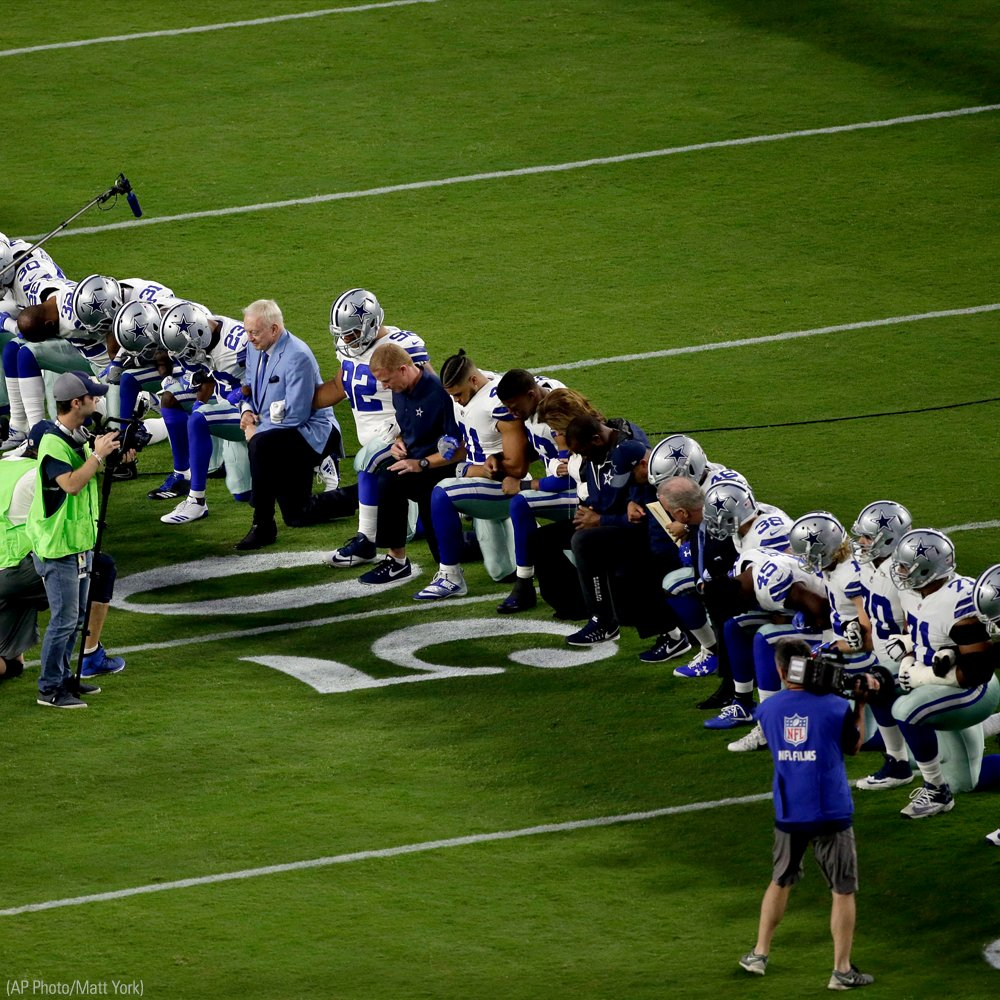 Monday Night Football: @dallascowboys briefly kneel before national anthem