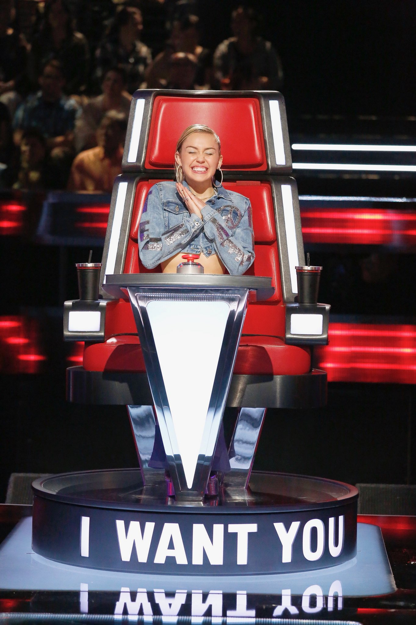 I want YOU to watch @NBCTheVoice premier TONIGHT!!! #TeamMiley all da way! https://t.co/MpFIWIp9iW