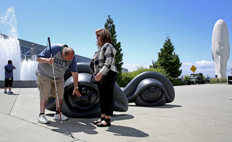 Museum offers Art Beyond Sight tour for those with low vision