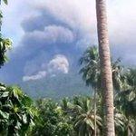 Thousands evacuated from Vanuatu island as volcano erupts