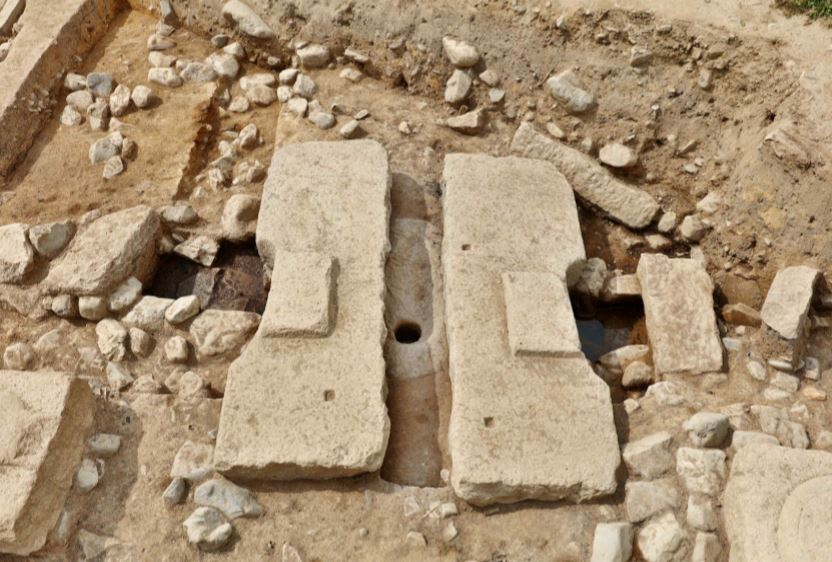 1,000-year-old flushing toilet found in Silla remains