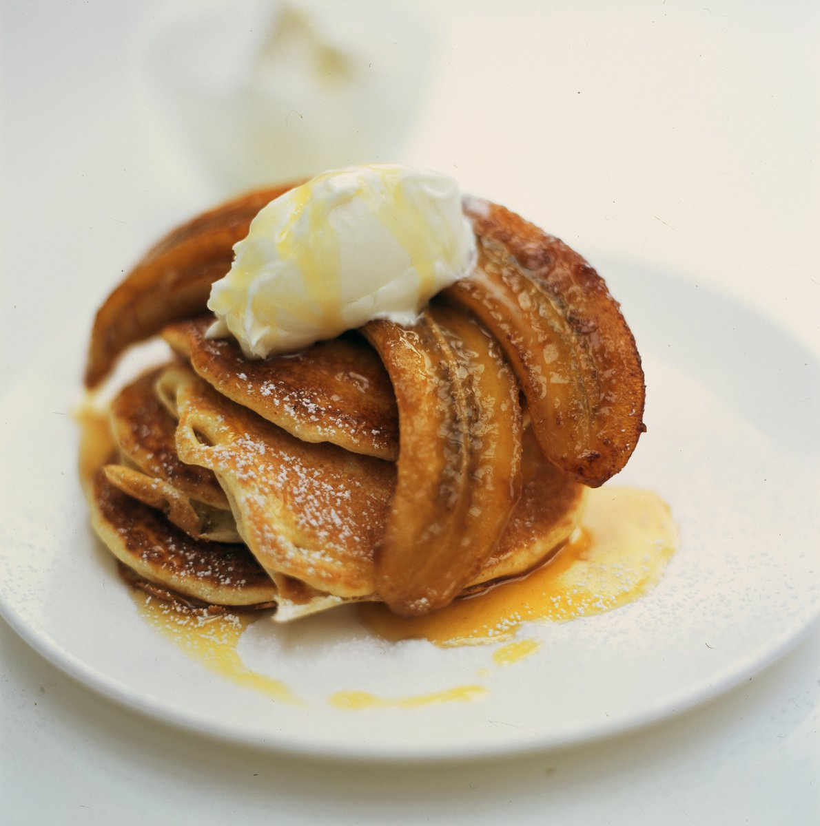 ????+????+????=???? These fluffy, sticky banana pancakes are a real treat for the weekend! https://t.co/nqFSMYvMOW https://t.co/i4IW5mRmZC