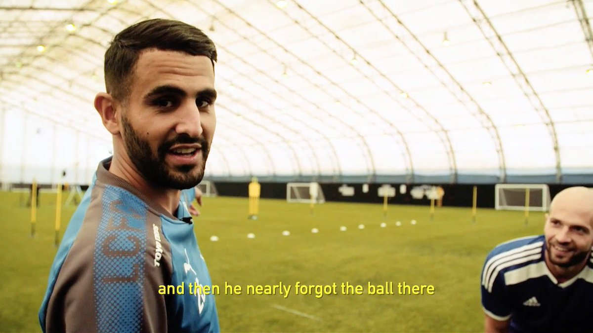 Stop looking at the ball Daniel! 😂👀 #ExtraTime #wembleycup https://t.co/DqZ4oLm3au