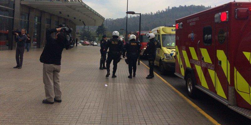 ⚠#UrgenteAN | Emergencia por cianuro en Costanera Center termina con u...
