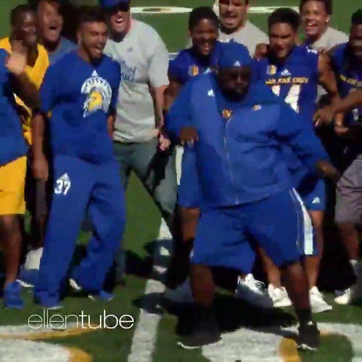 I love this coach. I love his team. I love his dancing. #GoodGoesRound #OneMillionActsofGood https://t.co/1ArGd6mk53 https://t.co/m6JcnHrsQm