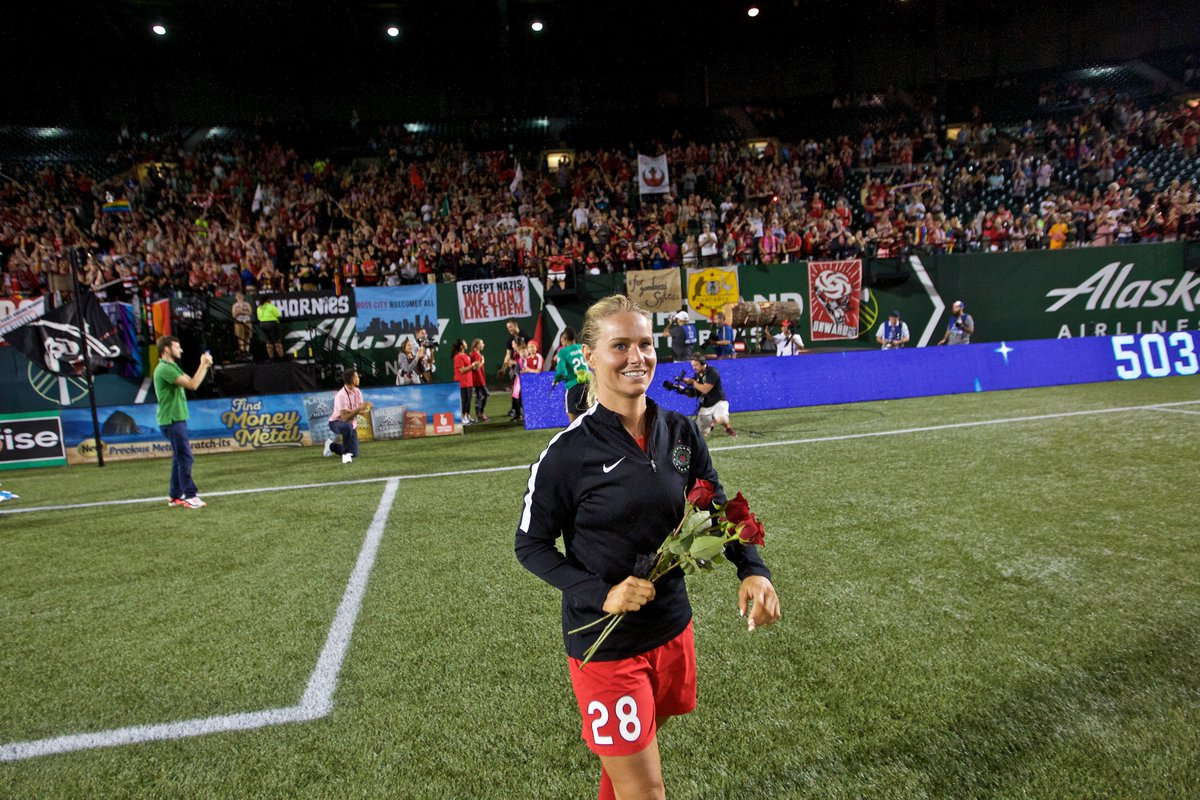 RT @ThornsFC: We want to wish @amandinehenry6 a very Happy Birthday!☺️Have a great day🎉 https://t.co/X83eUsLnmv
