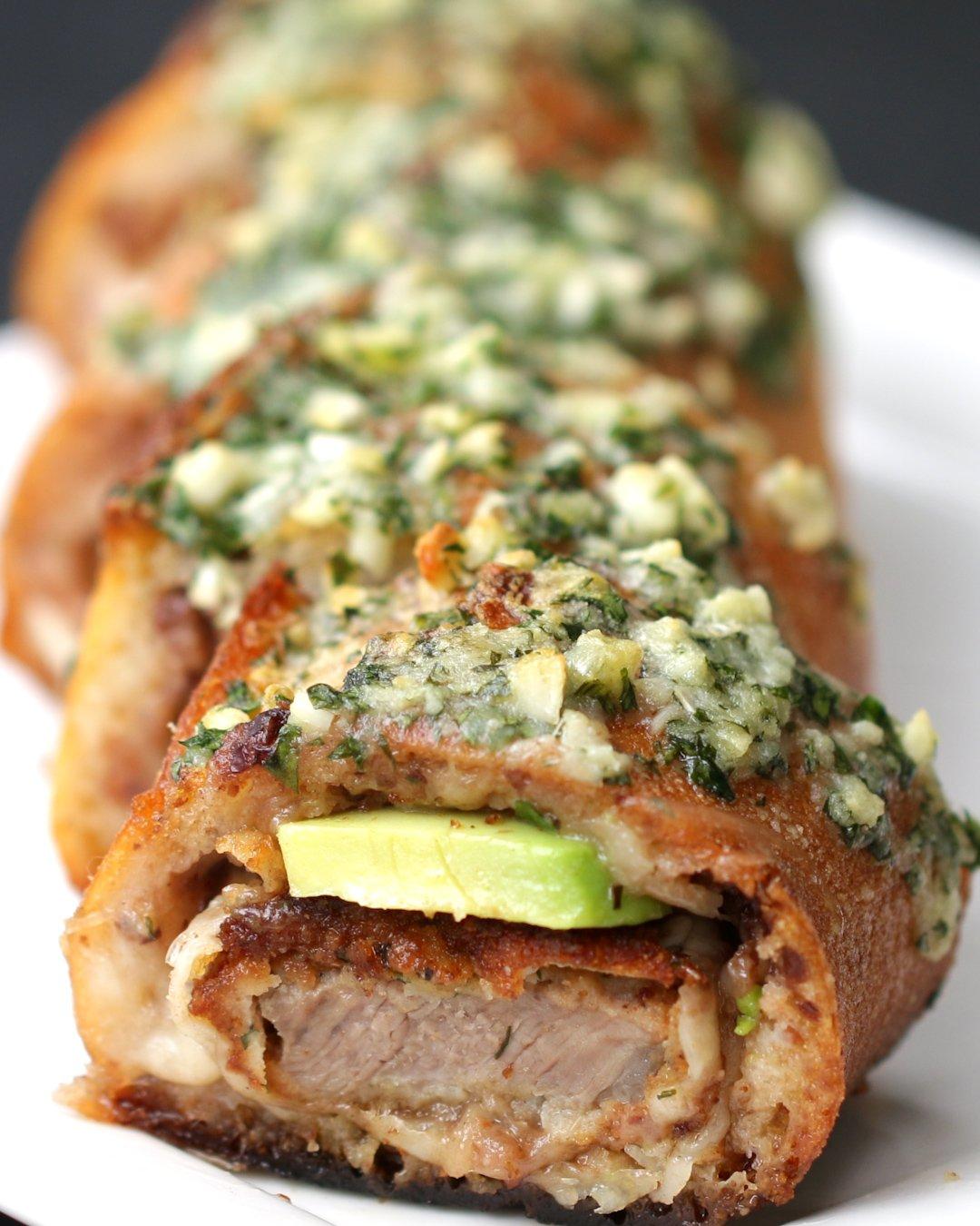 Beef Cutlet-Stuffed Garlic Bread  https://t.co/ZE2L7ZXfRE