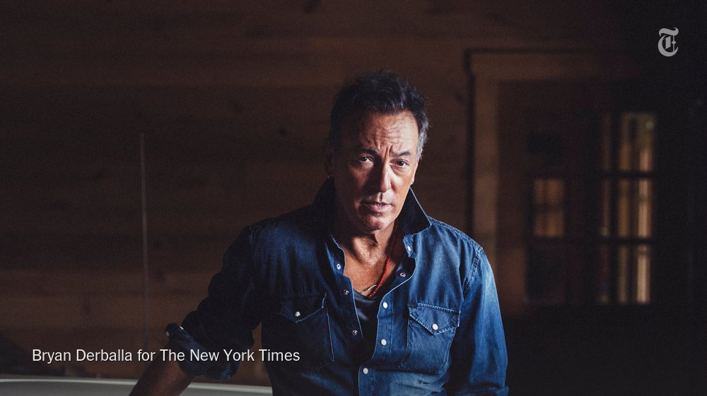 Bruce Springsteen talks about his 'first real job': his residency on Broadway https://t.co/MndT7Hv23E https://t.co/CgCOFqKCnG