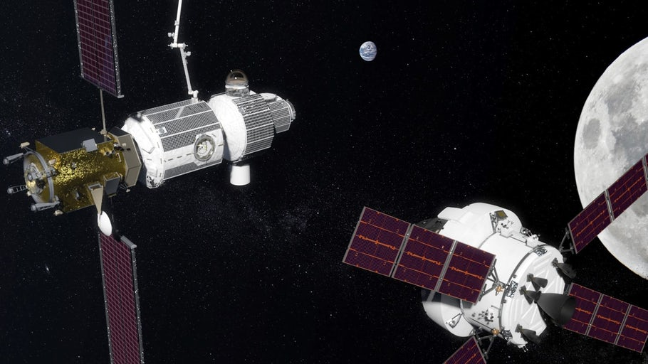 Russia signs on to NASA deep space gateway goal