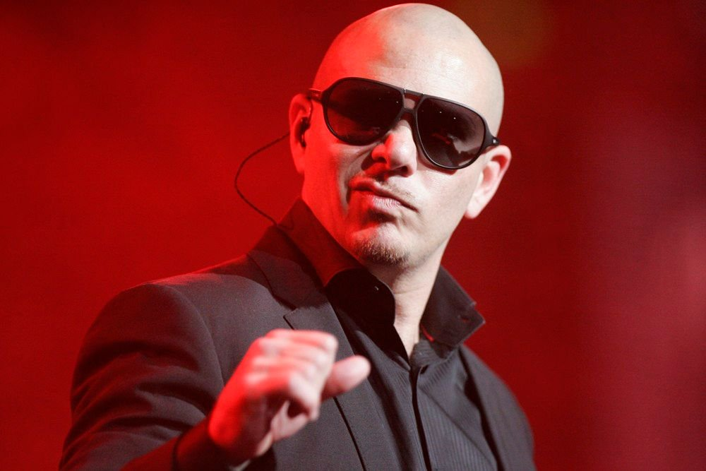Rapper Pitbull uses private plane to transport cancer patients from Puerto Rico