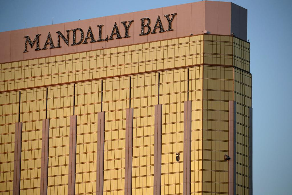 Owners of the Mandalay Bay try to clarify 'misinformation' over Las Vegas shooting timeline https://t.co/hj6Ud0coKC https://t.co/1UzTBSMC6N