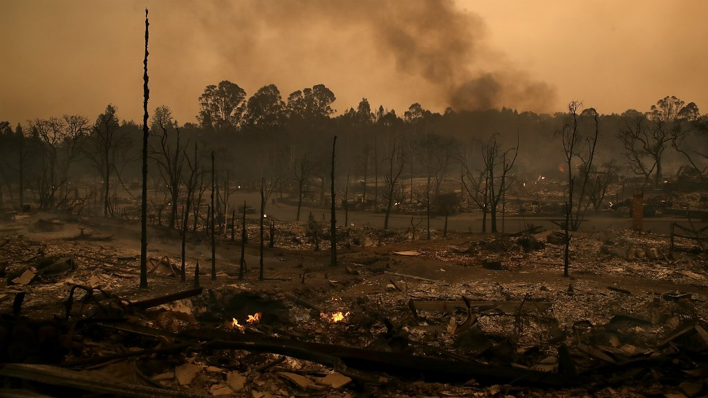 Death toll rises as firefighters continue to battle California blazes