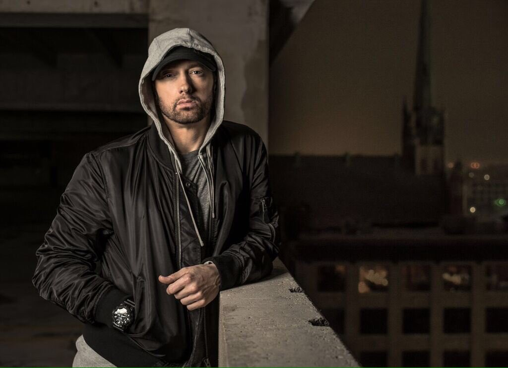 The Rap God returns. Watch @Eminem take aim at Donald Trump in his #HipHopAwards cypher: https://t.co/AQsFG8VXi4 https://t.co/lloMW2RGk8