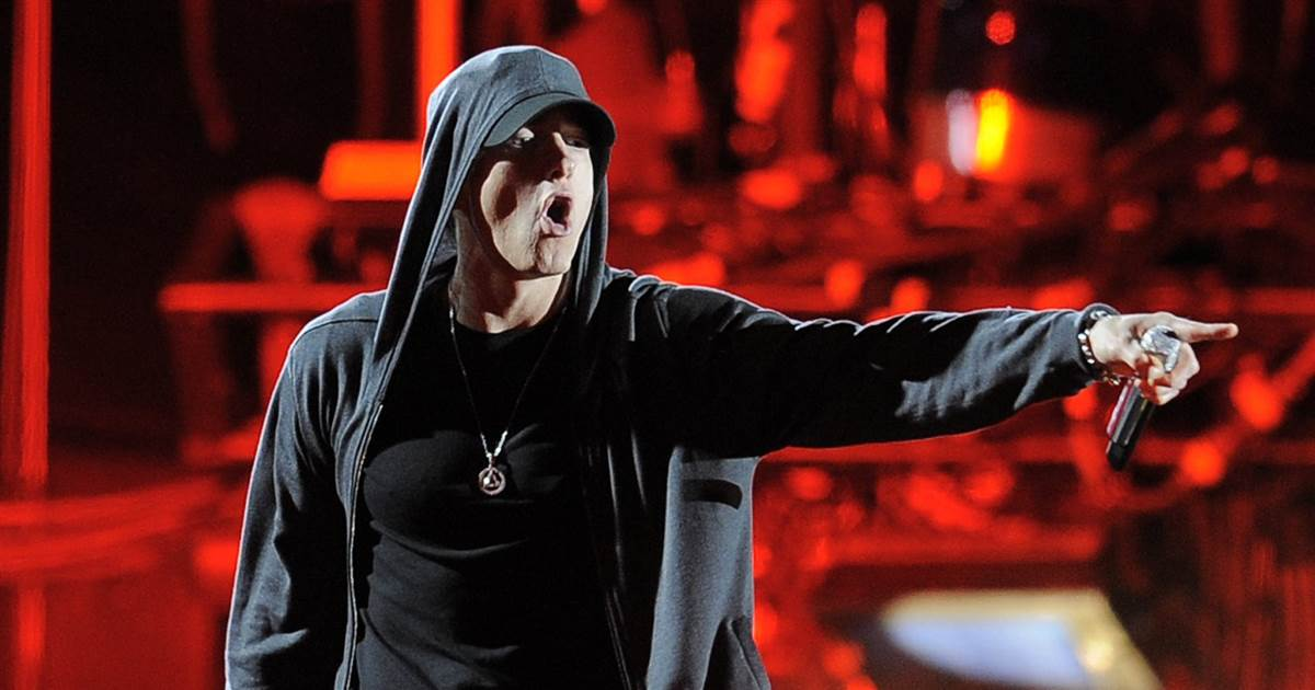 Eminem attacks President Trump in four minutes of furious rap https://t.co/vr6BKlUPGK https://t.co/5sb4JfPqm1