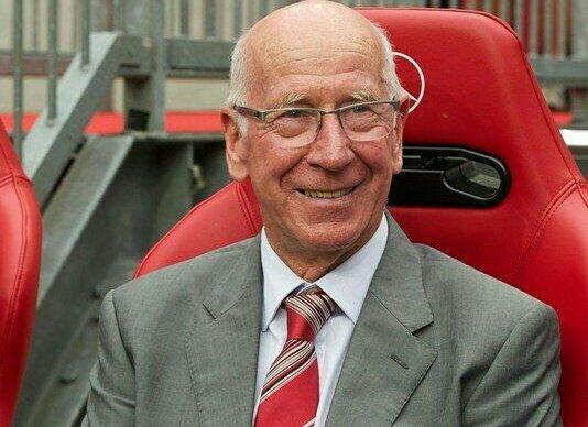 Happy Birthday to the legendary Sir Bobby Charlton! Mr. Man United turns 80 today.