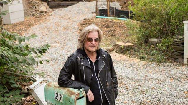 HAPPY BIRTHDAY DARYL HALL