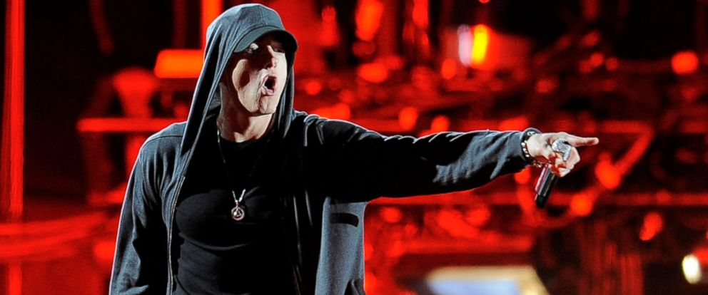 Eminem blasts Donald Trump in freestyle rap at BET Hip-Hop Awards: https://t.co/rRW97LZqWH https://t.co/tCrcB3FD2I
