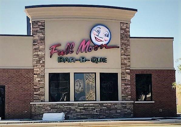 Full Moon Bar-B-Que opens Montgomery restaurant