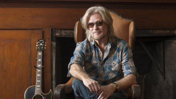 "HAPPY BIRTHDAY... DARYL HALL! ""ONE ON ONE\"", ft.John Oates."