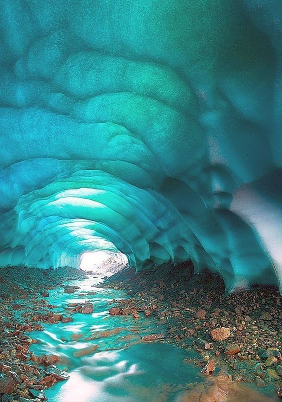 RT @MistyC51360: Crystal cave, Iceland via https://t.co/PnrpsAP2ZH https://t.co/2PHYEmeQfC