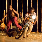 Unrest in Africa and motorcycles on stage - dance theater goes Fringe