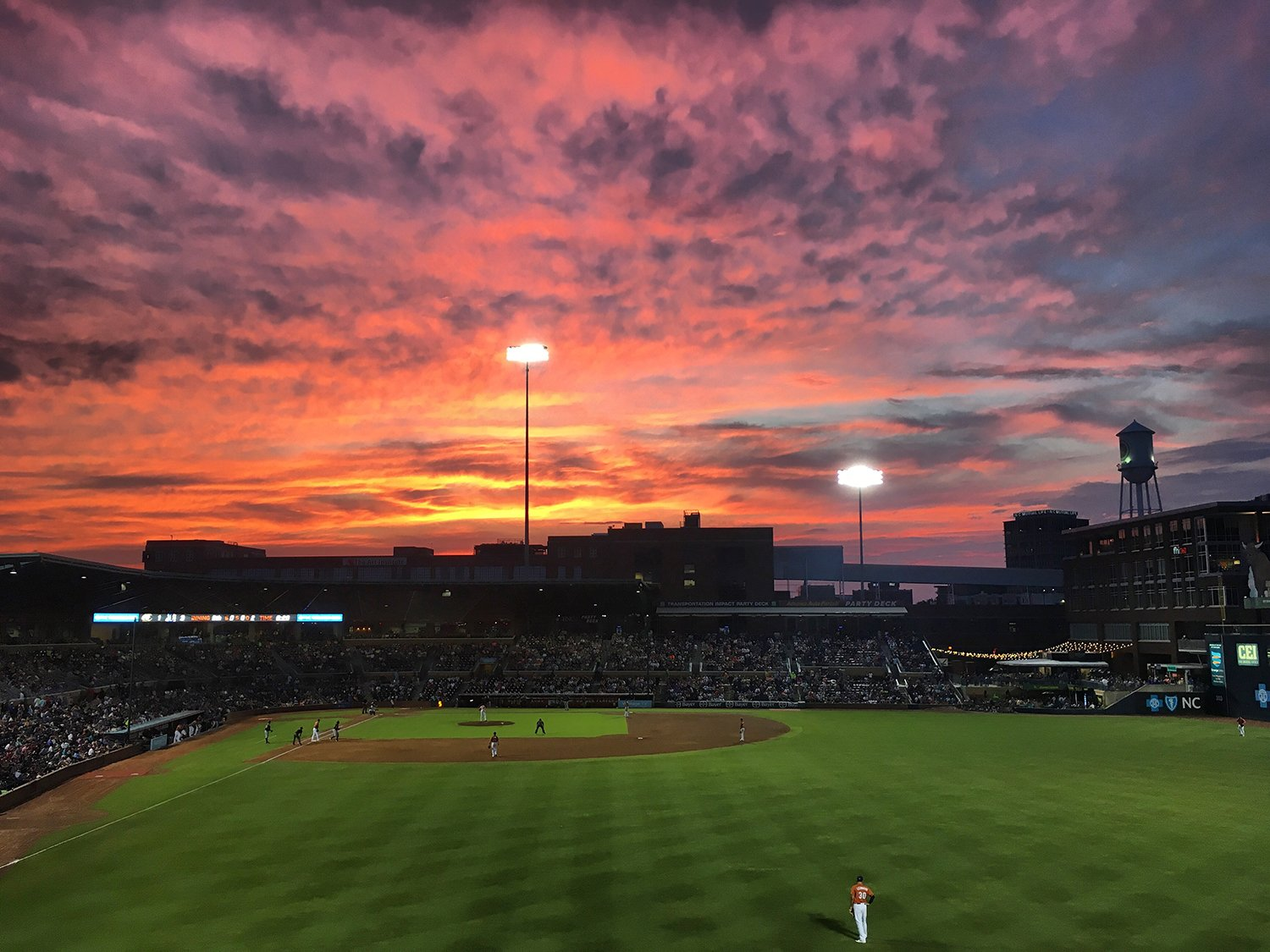 This photo is up for @MiLB's Photo of the Year. Give the #DurhamBulls some love.  Vote: https://t.co/JoCHGu1cSy https://t.co/EjL4rTT4QS