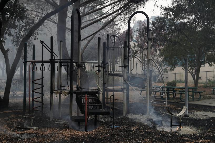 Dry weather could propel California wildfires that killed 21