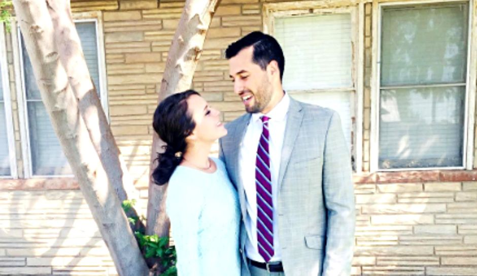Jinger Duggar Is Still Traditional Despite Pants, Husband Jeremy Vuolo Show Off Beautiful Wife On Instagram
