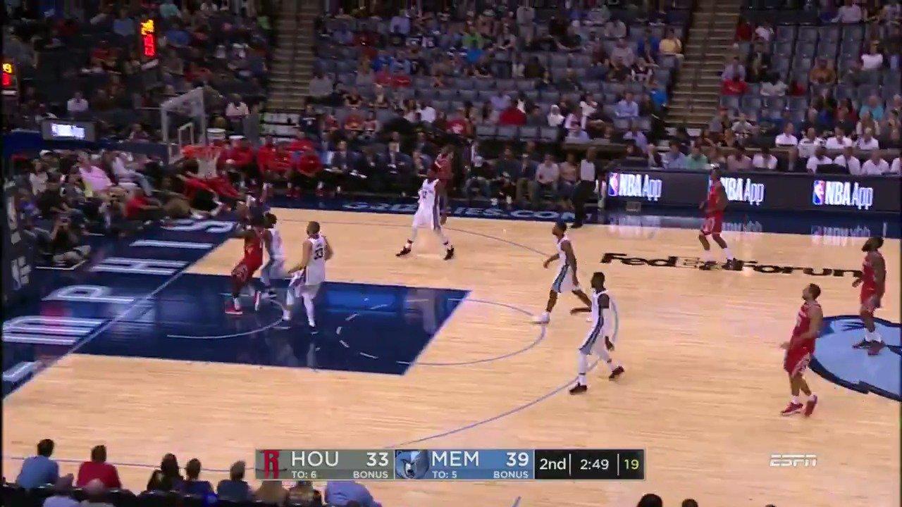 James Harden racking up the assists on ESPN! #NBAPreseason https://t.co/ferJMcz4cT