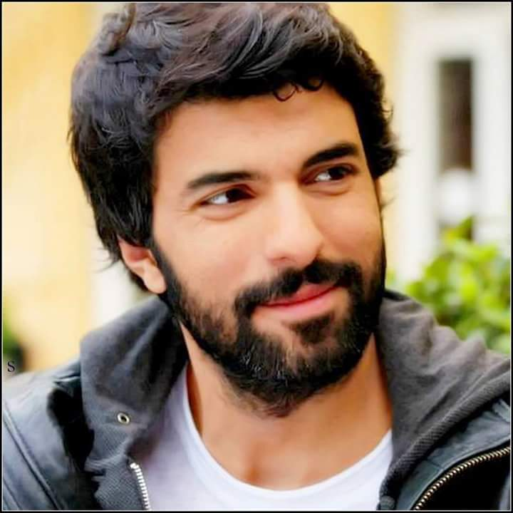 HepMutluol Engin Akyurek                         Happy birthday to our king the best actor Engin Akyurek