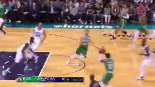 Gordon to Kyrie... and back to Gordon! #NBAPreseason  ��: ESPN https://t.co/7trnGHyQow
