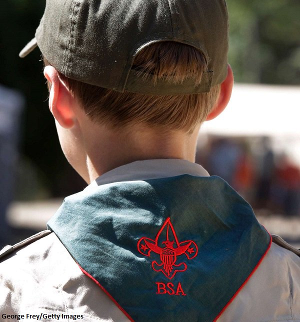 Boy Scouts allowing girls into Cub program, but will keep them in separate 'dens' https://t.co/r03mBQ9WUv https://t.co/cDAoBEtSB6