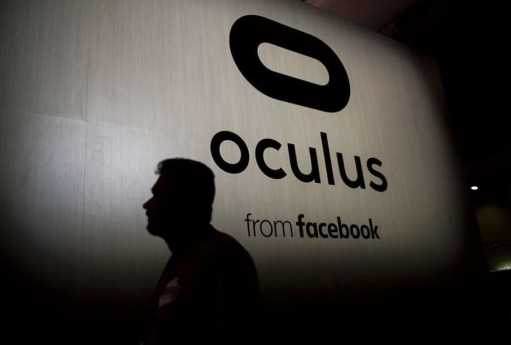 Oculus sets $399 as official, official price for Rift and Touch bundle https://t.co/f8FekWhLXe https://t.co/hgIT4rkVU9