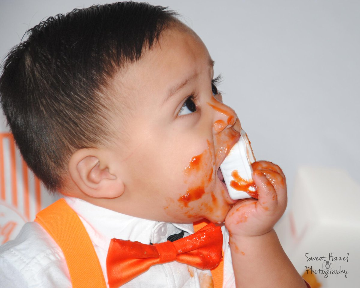 Houston baby smashes Whataburger instead of cake in first birthday photo shoot