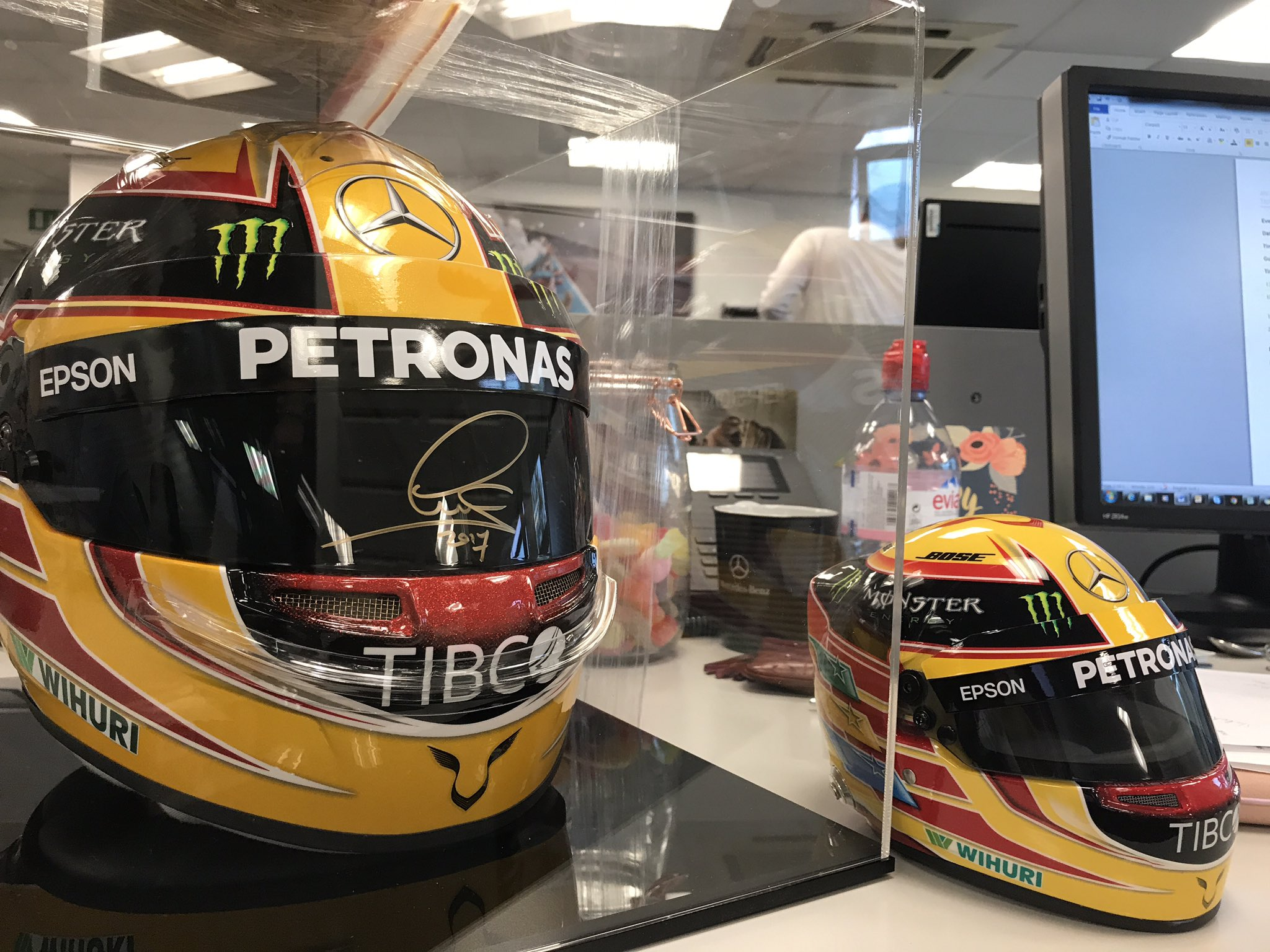 Post box box box! Ooooo... look what's arrived! ��  �� @LewisHamilton's 1/2 scale lid!! https://t.co/9zooMzKDVZ
