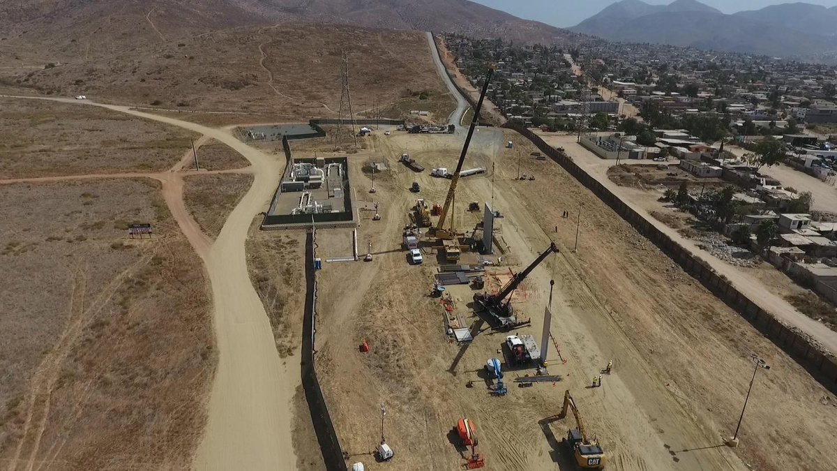 This is what Donald Trump's U.S.-Mexico border wall might look like