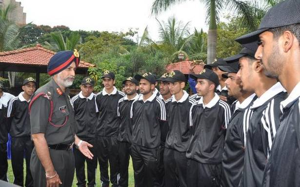 19 high school students from J&K visit Bengaluru